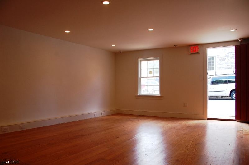 Additional photo for property listing at 2 WALNUT Street  Hope, New Jersey 07844 United States