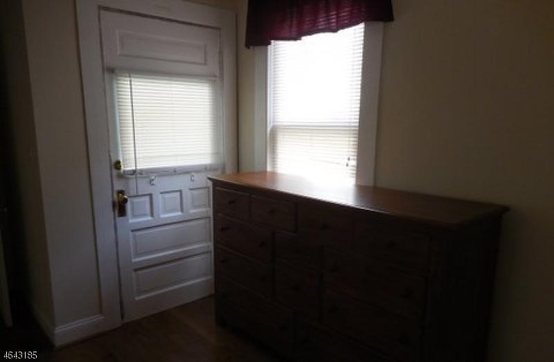Additional photo for property listing at 33 Woodside Avenue  Newton, Nueva Jersey 07860 Estados Unidos