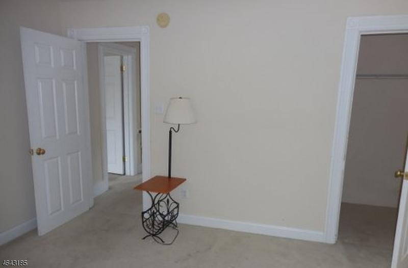 Additional photo for property listing at 33 Woodside Avenue  Newton, New Jersey 07860 United States