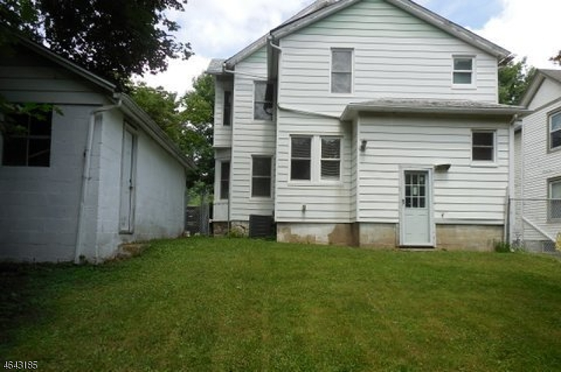 Additional photo for property listing at 33 Woodside Avenue  Newton, New Jersey 07860 États-Unis