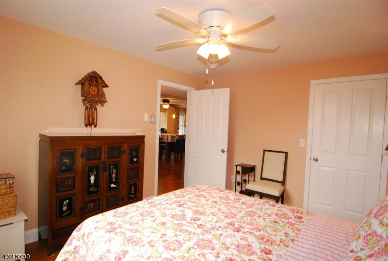 Additional photo for property listing at 83 Maple Lane  Blairstown, Нью-Джерси 07825 Соединенные Штаты