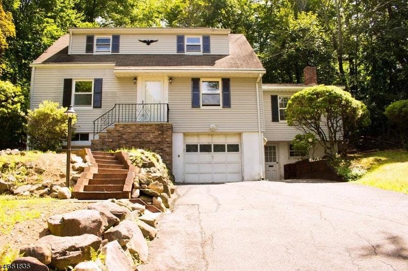 Частный односемейный дом для того Аренда на 16 Fern Ter. Wayne, 07470 Соединенные Штаты