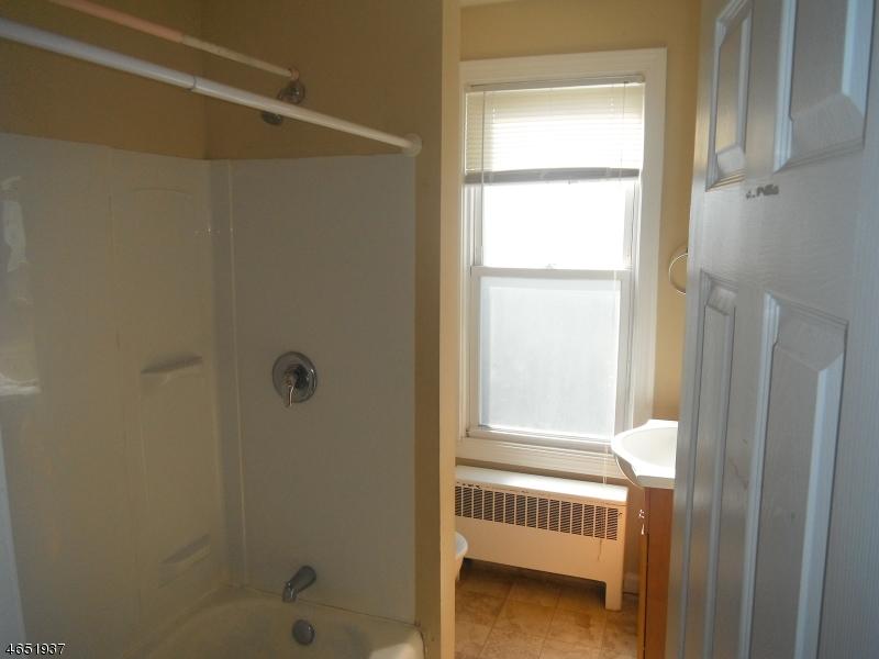 Additional photo for property listing at 17 Davis Street  Phillipsburg, New Jersey 08865 États-Unis