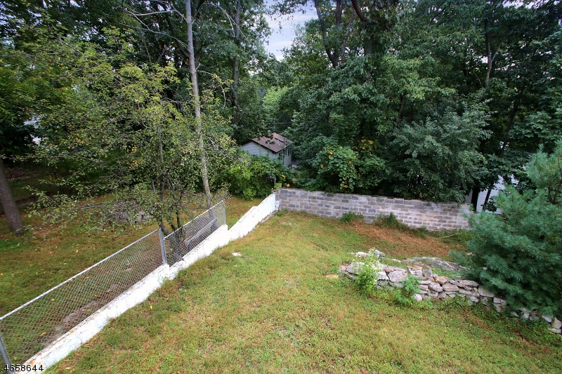 Additional photo for property listing at 311 Tulsa Trail  Hopatcong, New Jersey 07843 United States