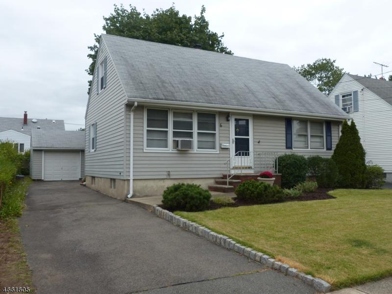 Частный односемейный дом для того Продажа на 6 Green Meadow Lane Clifton, Нью-Джерси 07013 Соединенные Штаты