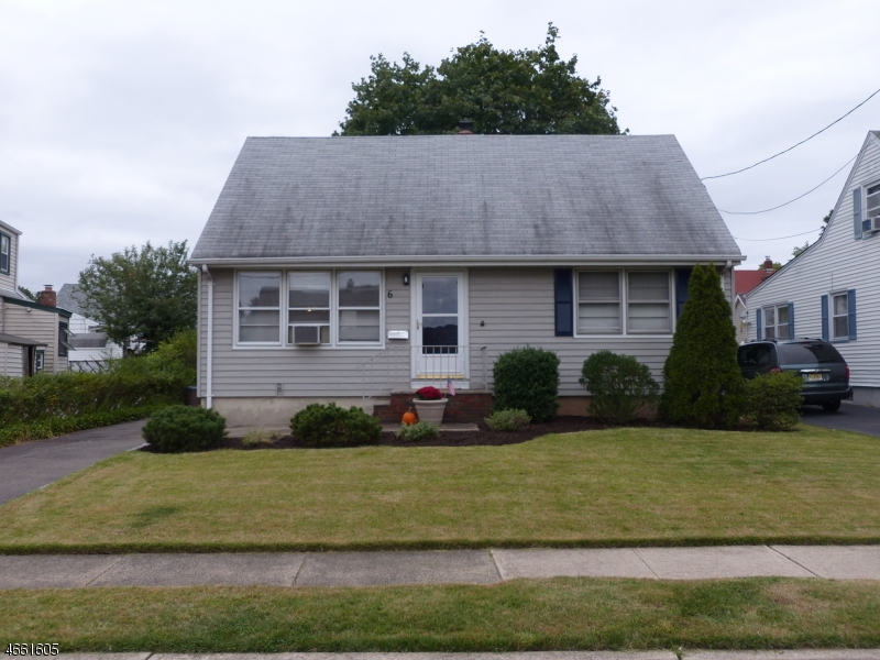 Additional photo for property listing at 6 Green Meadow Lane  Clifton, Nueva Jersey 07013 Estados Unidos