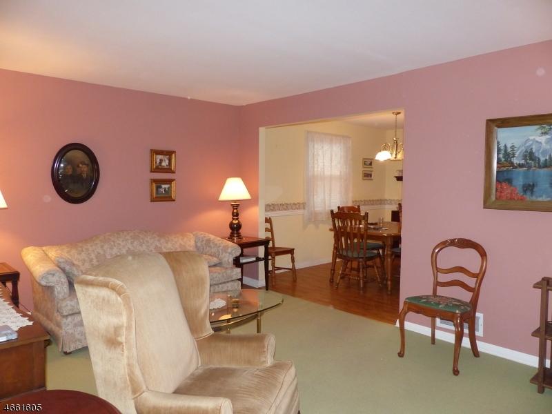 Additional photo for property listing at 6 Green Meadow Lane  Clifton, Нью-Джерси 07013 Соединенные Штаты