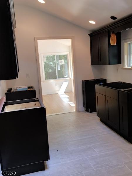 Maison unifamiliale pour l à louer à 17 Old Woodland Trail Oak Ridge, New Jersey 07438 États-Unis