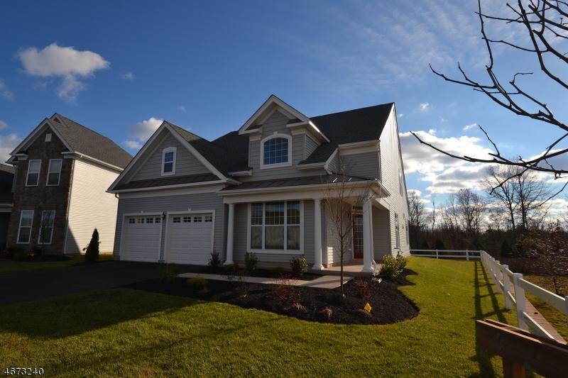 Частный односемейный дом для того Продажа на 51 Ditmar Blvd Whitehouse Station, 08889 Соединенные Штаты
