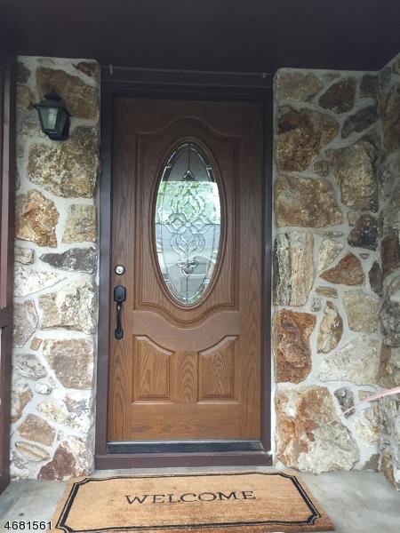 独户住宅 为 出租 在 176 Concord Drive 帕拉默斯, 新泽西州 07652 美国