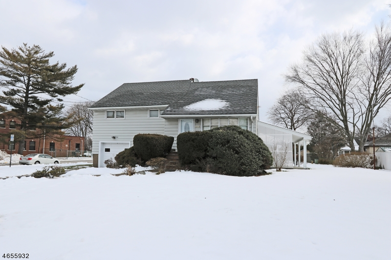 Additional photo for property listing at 1215 Broad Street  Bloomfield, Нью-Джерси 07003 Соединенные Штаты