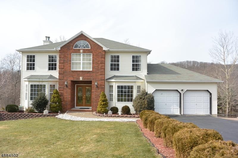 Частный односемейный дом для того Продажа на 24 FERNWOOD ROAD Rockaway, 07866 Соединенные Штаты