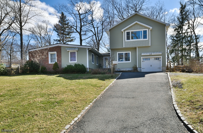 Single Family Home for Sale at 24 Martins Lane Berkeley Heights, New Jersey 07922 United States