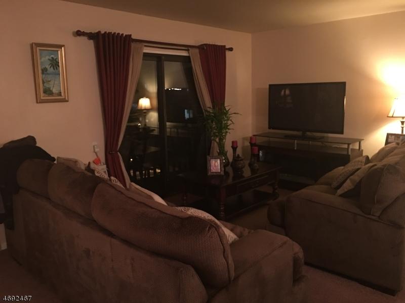 Maison unifamiliale pour l à louer à 710 Mill St, UNIT H-5 Belleville, New Jersey 07109 États-Unis