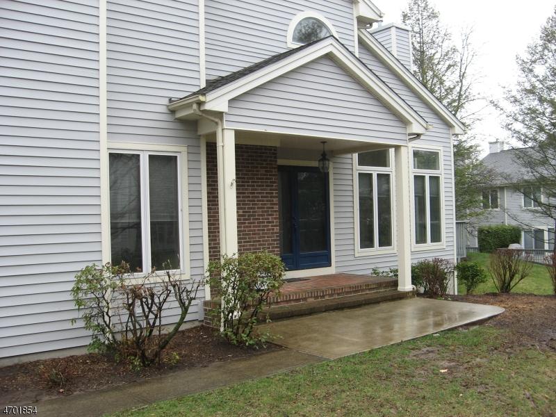 Частный односемейный дом для того Аренда на 21 Jesse Court Montville, Нью-Джерси 07045 Соединенные Штаты