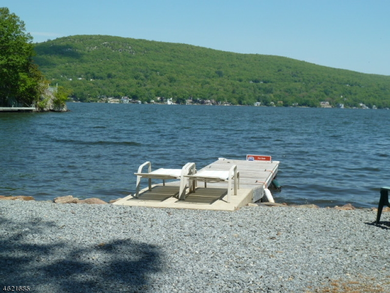 Single Family Home for Sale at 24 Cove Road Greenwood Lake, New York 10925 United States