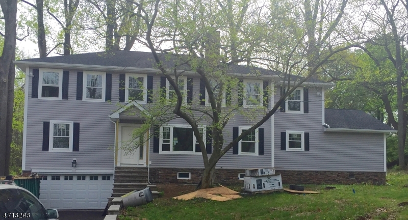 Single Family Home for Sale at 27 Kalson Road Gillette, New Jersey 07933 United States