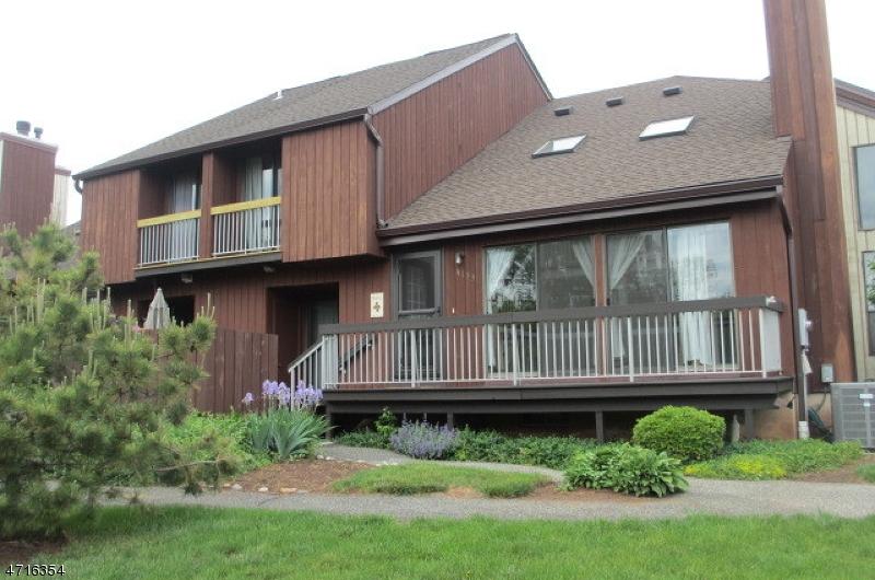 独户住宅 为 出租 在 41-33 BLOOMINGDALE Drive 希尔斯堡, 新泽西州 08844 美国
