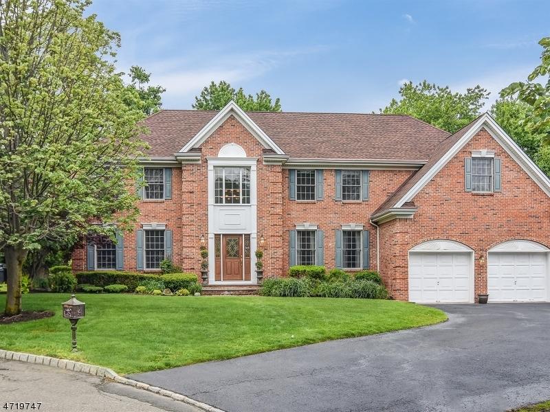 独户住宅 为 销售 在 10 McGuire Court 蒙特维尔, 新泽西州 07645 美国