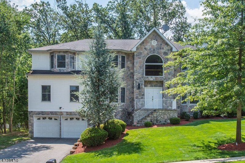 Single Family Home for Sale at 131 Arundel Road Parsippany, 07950 United States