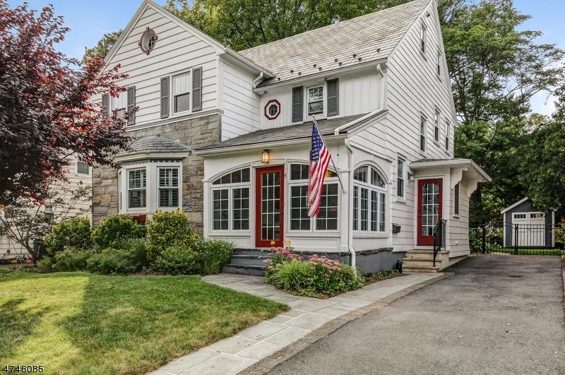 Частный односемейный дом для того Продажа на 35 Headley Place Maplewood, Нью-Джерси 07040 Соединенные Штаты
