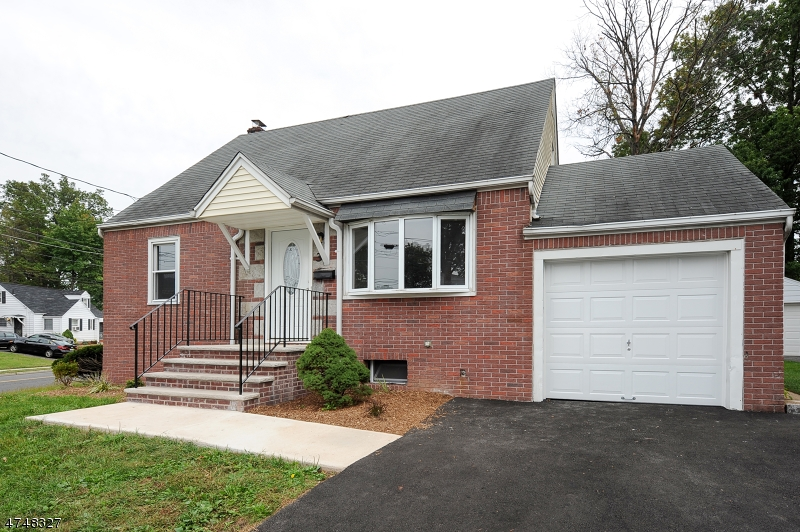 Single Family Home for Sale at 3 Henry Street Bergenfield, New Jersey 07621 United States