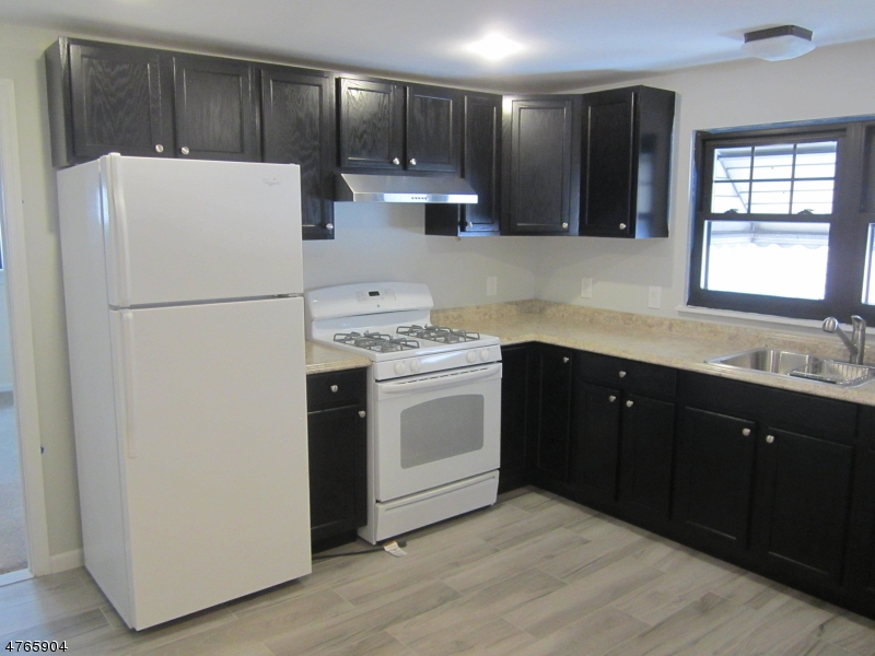 Casa Unifamiliar por un Alquiler en 24 Wagner Place Hawthorne, Nueva Jersey 07506 Estados Unidos