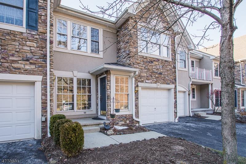 Casa Unifamiliar por un Venta en 24 Rosewood Court North Haledon, Nueva Jersey 07508 Estados Unidos
