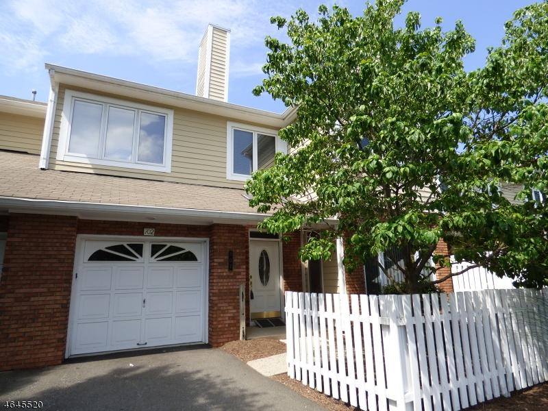 Частный односемейный дом для того Аренда на 702 Timberbrooke Drive Bedminster, Нью-Джерси 07921 Соединенные Штаты