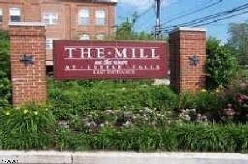 Condo / Townhouse for Rent at 240 Main St, unit 303 Little Falls, New Jersey 07424 United States