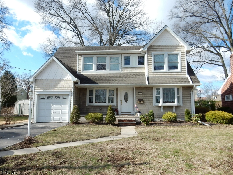 Single Family Home for Sale at 2723 N Wood Avenue Linden, New Jersey 07036 United States