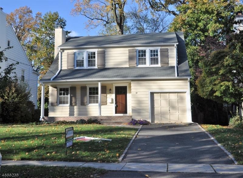 Частный односемейный дом для того Аренда на 57 Elmwood Place Millburn, Нью-Джерси 07078 Соединенные Штаты