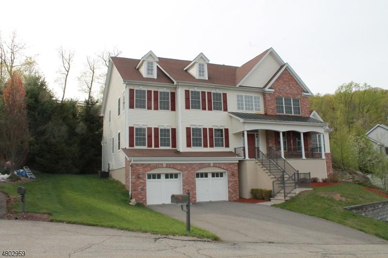 Частный односемейный дом для того Продажа на 4 Whispering Woods Oakland, Нью-Джерси 07436 Соединенные Штаты