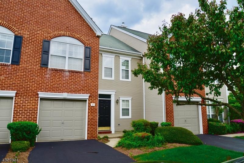 Condominio/ Casa de pueblo por un Venta en 4 Charles Court Ocean, Nueva Jersey 07712 Estados Unidos
