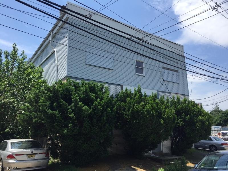 Comercial por un Venta en 34 CROSS Street Bloomfield, Nueva Jersey 07003 Estados Unidos