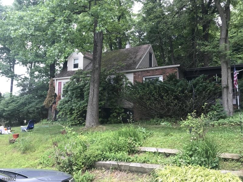 Casa Unifamiliar por un Venta en 59 VAN NESS Avenue Fairfield, Nueva Jersey 07004 Estados Unidos