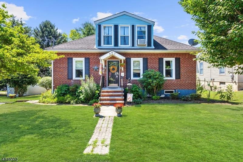 獨棟家庭住宅 為 出售 在 862 SAMPSON Avenue Alpha, 新澤西州 08865 美國