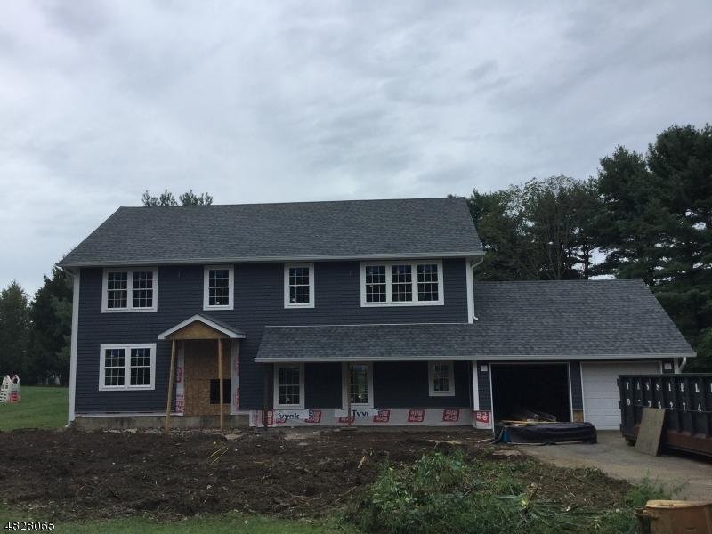Single Family Homes 為 出售 在 Roxbury Township, 新澤西州 07836 美國
