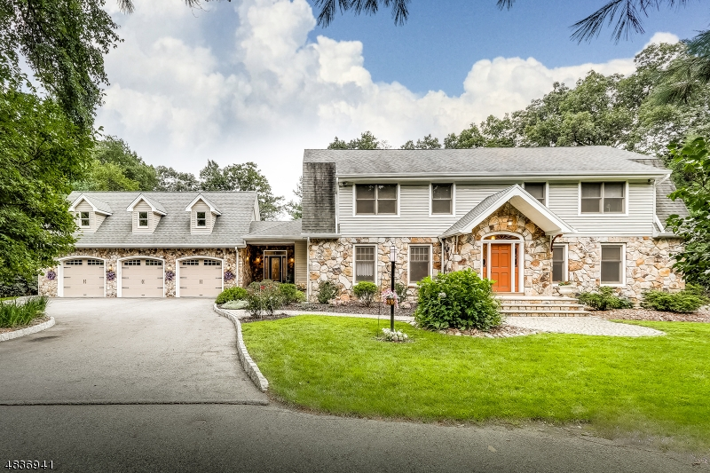 Single Family Home for Sale at 20 SHERWOOD LN 20 SHERWOOD LN Wyckoff, New Jersey 07481 United States