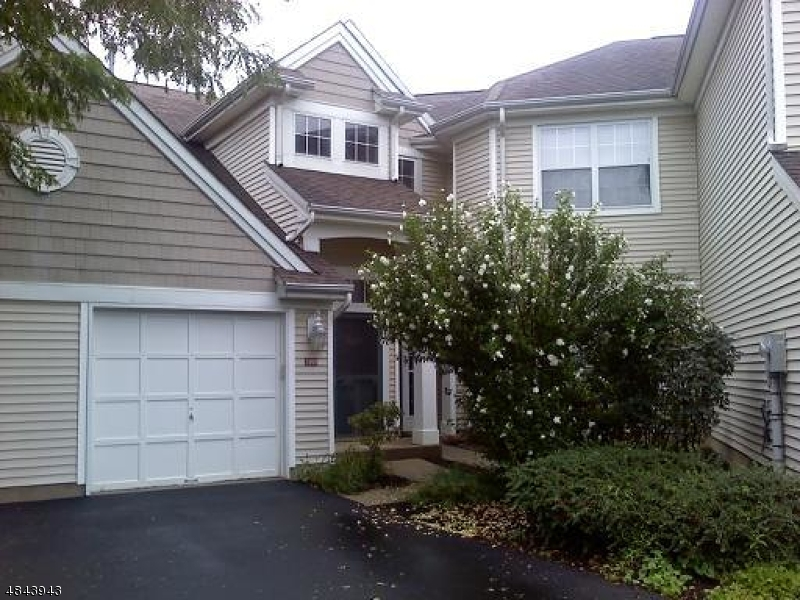 Condo / Townhouse for Sale at 1060 DEERHAVEN TER Lopatcong, New Jersey 08886 United States