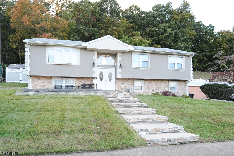 Single Family Home for Sale at 134 C Ave 134 C Ave Haledon, New Jersey 07508 United States