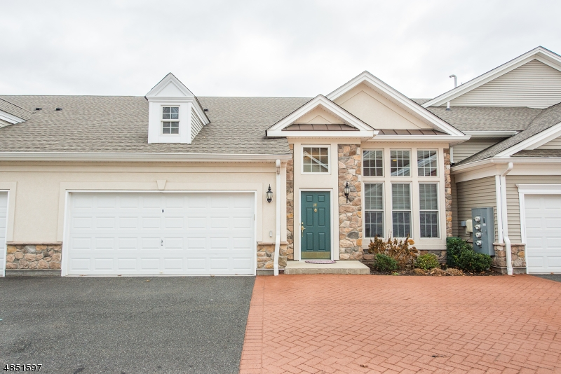 Condo / Townhouse for Sale at 14 Graphite Woodland Park, New Jersey 07424 United States