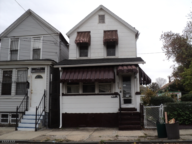 Single Family Home for Sale at 252 S 19TH Street Newark, New Jersey 07103 United States