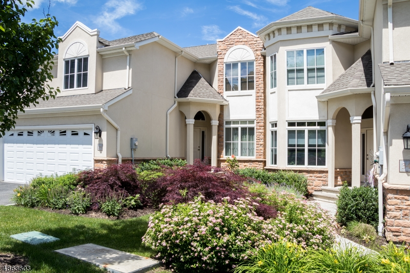 Condo / Townhouse for Sale at 36 METZGER Drive West Orange, New Jersey 07052 United States