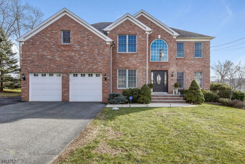 Частный односемейный дом для того Продажа на 297 WHIPPANY Road Hanover, Нью-Джерси 07981 Соединенные Штаты