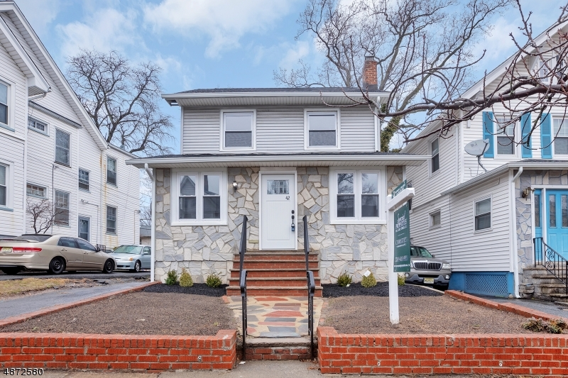 Single Family Home for Sale at 42 WAYNE AVE 42 WAYNE AVE East Orange, New Jersey 07018 United States