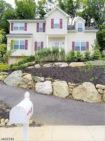 Single Family Homes pour l Vente à Allamuchy, New Jersey 07840 États-Unis