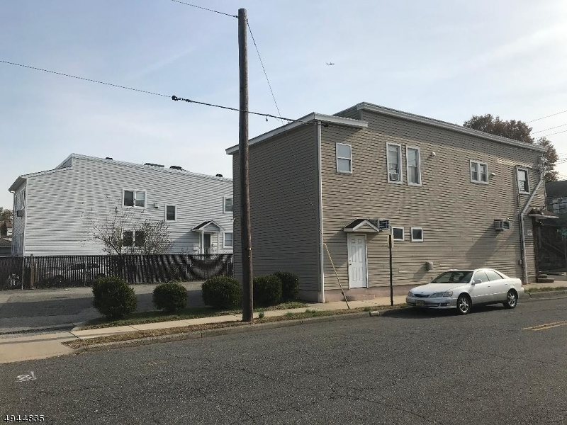 Additional photo for property listing at  Garfield, Nueva Jersey 07026 Estados Unidos
