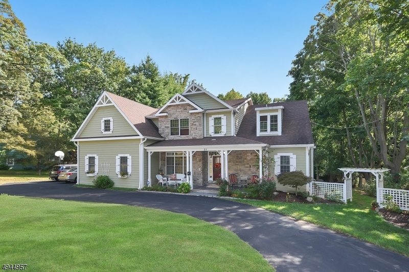 Single Family Homes for Sale at Woodcliff Lake, New Jersey 07677 United States