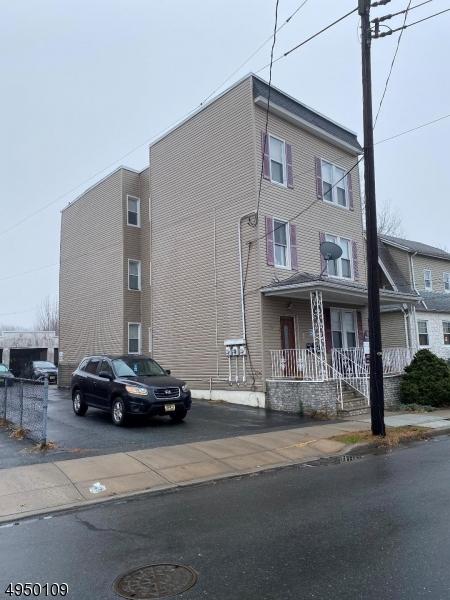 Multi-Family Homes 용 매매 에 Nutley, 뉴저지 07110 미국
